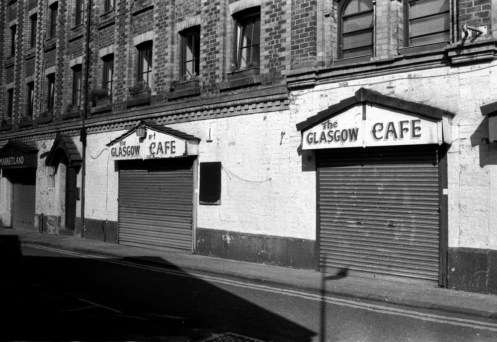 35mm black and white barras