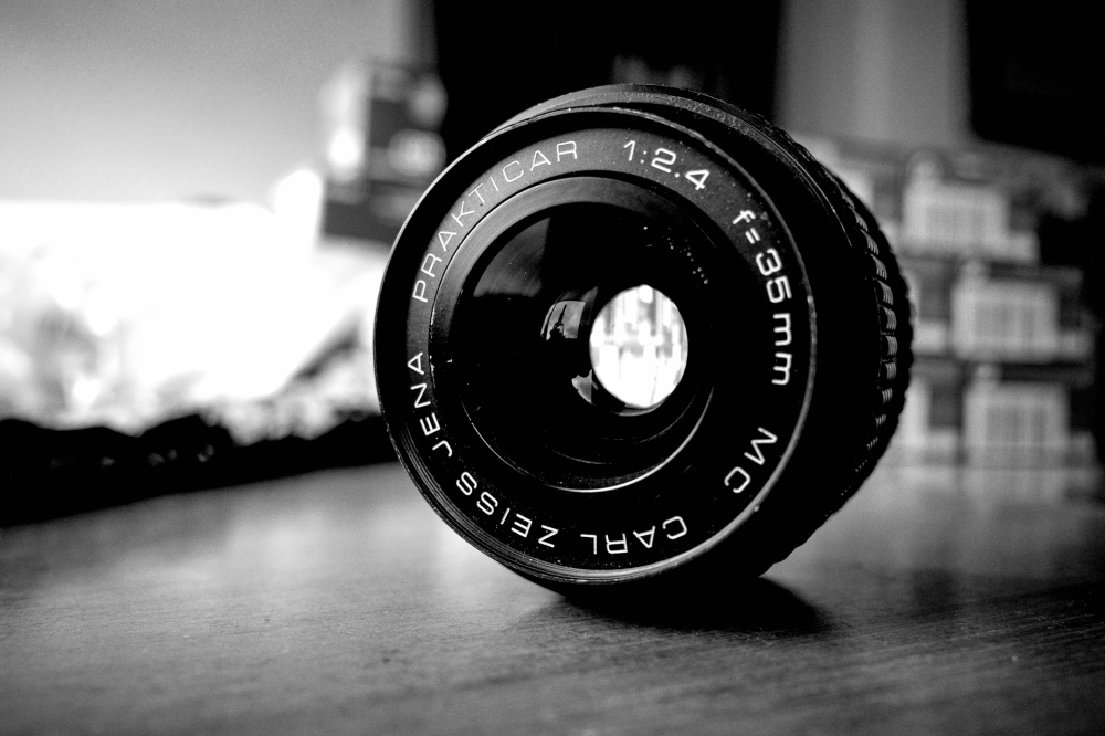 Carl Zeiss Jena 35mm f2.4