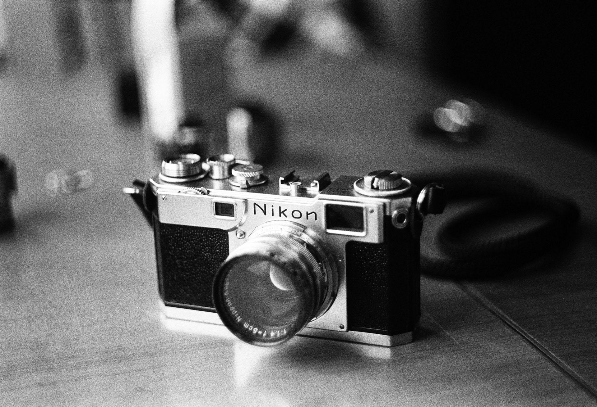 Nikon S2